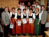 Für 20 Jahre Mitgliedschaft wurden geehrt: Christa Oebels, Bert Oebels, Irene Stangl, Elisabeth Nitzl, Bernhard Schref, Marlene Sachs, Elfriede Obermeier, Gerog Nitzl, Brigitte Schref, Tina Seisenberger, Gitte Nöscher, Feichtmeier Leo, Dillis Wast.