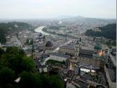 Der Blick von der Burg auf die Stadt ist natürlich atemberaubend. Bei klarem Wetter muss dies noch viel beeindruckender sein.