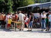 Traditionell wurde am Bus Brotzeit gemacht.Dieses Jahr klappte es auch mit der Bestellung wieder.