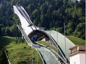 Die Besichtigung der neuen Olympia-Schanze in Garmisch war einer der Höhepunkte des Schützenausfluges.