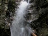Der Wasserfall belohnte dann für die Mühen. Viele nutzten das kühle Nass um sich ein wenig abzukühlen.