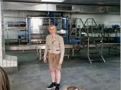 Mit sehr viel Fachwissen wurde die Führung durch die Brauerei durchgeführt. Hier ist die Flaschenreinigung im Hintergrund zu sehen.