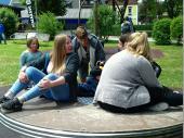 Die Vereinsjugend tummelte sich auf dem Kinderspielplatz – aber nicht um wieder kindisch zu sein, sondern um sich um die Wirt's-Buam zu kümmern. Schön, dass unsere Jugend so zusammenhält.