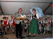 Nach einem feierlichen Gottesdienst ging es zurück ins Zelt. Ein kurzer offizieller Teil wurde vom Schützenmeister, der Schirmherrin und vom Gauschützenmeister bestritten. Das Jahr 2009 hatte viele unterschiedliche Festlichkeiten zur 50-Jahr-Feier. Weiteres bei den Bildern zur 50-Jahr-Feier.