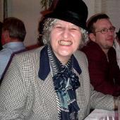 Auch Miss Marple gab sich die Ehre, dem Agenten-Treffen beizuwohnen.