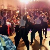 """Die """"Red Diamonds"""" aus Velden  hatten wenig Platz zum tanzen. Dennoch haben sie eine schöne Show abgeliefert."""
