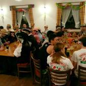 Die Grenzlandschützen waren mit ca. 30 Leuten in Wambach vertreten. Das darf auch gerne sein, da die Eichenlaubschützen auf unseren Veranstaltungen auch immer sehr gut vertreten sind.