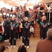 Der Auftritt der Garde war einer der Höhepunkte des Abends. Die jungen Wambecker haben sich hier viel Mühe gegeben und eine sportliche Leistung gezeigt.