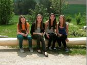 Jung und hübsch - unsere Nachwuchsschützinnen, Daniela, Regina, Melanie und Christin, warten, dass es endlich losgeht.