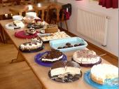 Das Kuchen und Torten-Buffet. Sehr leckere Sachen gab es in Steinbach. Vielen Dank an die Spender/innen, die sich hier die Arbeit gemacht haben.