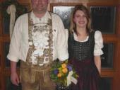 2004 erreichte unser Herbergswirt Georg Nitzl die Königswürde. Hier mit seiner Schützenliesl Anita.
