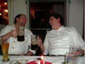 Spaß hatten auch der Wirt und der Jugendleiter. Sie freuten sich über die Frei-Getränke.