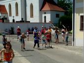 (2007) Die Jugend beim Start mit den City-Rollern.