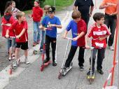 (2009) Wie schon letztes Mal, wurde auch dieses Jahr mit den City-Rollern gestartet.