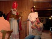 Dass der Nikolaus kommt ist nichts neues - wenn auch immer wieder schön. 2005 kam allerdings ein zweiter Nikolaus, der die Sünden des Schützenmeisters Schref zur Sprache brachte.