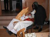 2009 wurde der Nikolaus vom Krampus in einer Schubkarre gebracht und wieder abtransportiert.