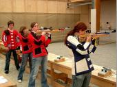 2006 waren die Grenzlandschützen mit einer größeren Mannschaft in München vertreten. Hier im Bild Franz, Sylvia, Kathrin und Cilli.