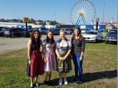 Sechs Jungschützen waren 2018 beim Oktoberfest-Landesschießen in München. Angela, Daniela, Vanessa und Stefanie sind hier auf dem Bild. Alexander und Florian waren noch auf der Wies'n unterwegs.