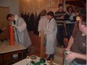 """(2007/08) """"Vorsicht - Radioaktiv"""" In dem Päckchen war die Anleitung zum Öffnen. Dazu gehörten auch Schutzmäntel und Handschuhe."""