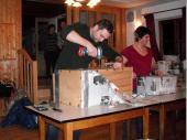 (2013/14) Alle Größen und Arten von Schrauben waren in dem Paket zu finden. Nägel, Schlitz-, Kreuz-, Torx- und Inbusschrauben hielten diese Kiste zusammen. Hier war ein gut ausgerüsteter Werkzeugkoffer von Nöten.