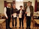 Pistolenmeister v.l.n.r. Schützenmeister Freudenreich mit Thomas Kühn (3. Platz), Irene Stangl (1. Platz) und Ludwig Maier (2. Platz).