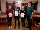 Unseren erfolgreichen Nachwuchsschütz/innen sei herzlich gratuliert. v.l.n.r. Ella Nagel (Gaumeisterin Junioren/w), Maxi Gillhuber (Gaumeister Junioren/m) und Regina Angermeier (2. Gaumeisterin Junioren/w)