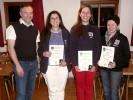 Vereinsmeister der Damen v.l.n.r. Schützenmeister Freudenreich, Elfriede Fürmetz (2. Platz), Cilli Bäker (1. Platz) und Marlene Sachs (3. Platz).