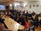 Wie üblich waren Jung und Alt nach Steinbach gekommen und miteinander zu feiern. Somit war der Abend überraschend gut besucht.